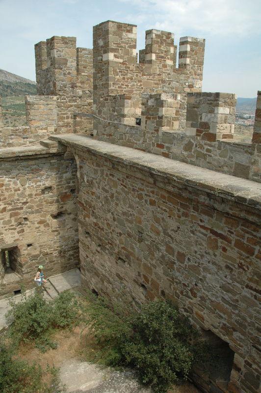 Генуэзская крепость в Судаке: отдых в Крыму